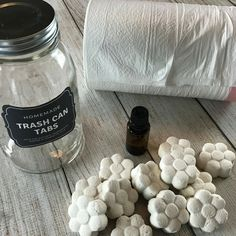 Freshen and eliminate trash can odors naturally with these easy-to-make homemade essential oil trashcan deodorizing tabs. Homemade Essential Oils, Essential Oils Cleaning, Homemade Shower Cleaner, Cleaners Homemade, Cleaning Spray, Toilet Cleaning, Kitchen Cleaning, Essential Oils For Headaches, Cleaning Recipes