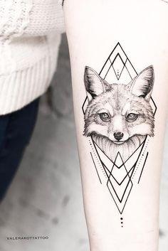 Тату лиса и эскиз тату лиса для тех, кто любит стиль графика. Тату лиса для девушек, которым нравится дотворк. Тату лиса | Эскиз тату лиса | Тату лиса для девушек | Дотворк | Графика | Геометрия | Тату на руке для девушек #foxtattoo #tattoo #татулиса #tattoodesign #tattooflash #tattooideas #inspirationtattoo #cutetattoo #girltattoo #эскиз #идея #graphic #dotwork #geometry Fox Tattoo Design, Tattoo Designs, Anime Tattoos, Tatoos, Animals Tattoo, Fuchs Tattoo, Dot Work, Creative Illustration, Tattoo Sketches