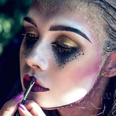 233.9k Followers, 1,990 Following, 2,882 Posts - See Instagram photos and videos from Mehron Makeup Official (@mehronmakeup)