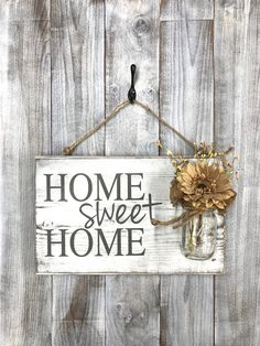 Porch Decor, Home sweet home rustic front door sign decor, Gift, Outdoor signs for house & home, front porch wood sign decoration - Dekoration Style Diy Wood Signs, Rustic Wood Signs, Home Wood Sign, Country Wood Signs, Rustic Wood Crafts, Wood Signs Home Decor, Distressed Wood Signs, Lila Pause, Porch Wood