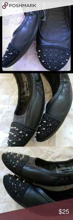 Hand made flats Blk size 8.5 with exhilaration Shoes Flats & Loafers