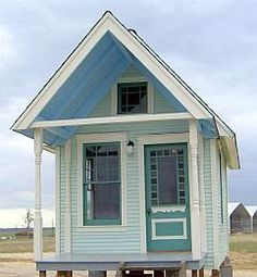 Put it on the beach! Tiny house from Design Crave