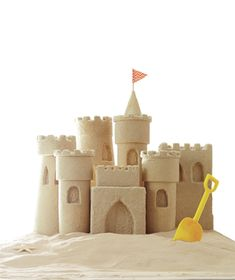 South Padre Island, Texas, and the winner of the 2013 American Sand Sculpting Championship, in Fort Myers Beach, Florida. Sand Castle Cakes, Beach Sand Castles, How To Make Sand, Building Sand, Beach Hacks, Beach Tips, Beach Ideas, Halls, Beach Activities