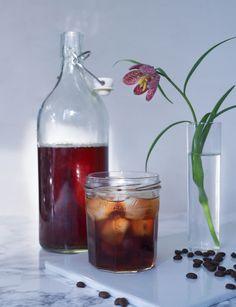 Coldbrew eli kylmäuutettu kahvi on kuumaa kaveriaan matalahappoisempaa, makeampaa ja pehmoisempaa ja tolkuttoman helppoa valmistaa!
