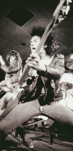 Ramones in action, 1977.