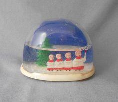 Vintage Christmas Snow Globe with Four Choir Boys! Grandma had snow globes! Christmas Snow Globes, Christmas Past, Retro Christmas, My Childhood Memories, Childhood Toys, Sweet Memories, Vintage Ornaments, Old Toys, Goodies