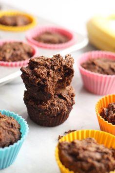Vegan Chocolate Banana Muffins (gluten-free, no added sugar) // www.hummusapien.com