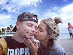"Kane Brown Facebook Post 2-1-17 ""She makes vacation 100x's better."""