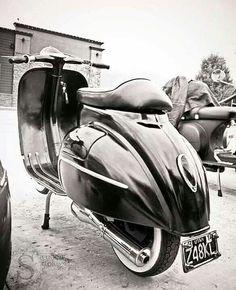 Se terminaron las vacaciones  Buenos días vespa adictos! Love vespa Vintage ⛽️ #lovevespavintage #vespamania #vespalovers #ride #vespas #vespa #vespagram  #xt  #color  #scooter  #vintage  #vespas #love  #pk #vespastyle #vespalove #vespafollowers #moto  #motorcycle #vespaclub #vespa  #vespalovers #style #vespamania #lvv  #px #primavera #pks