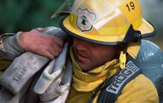 The Workout That Saves Lives (and Honors Fallen Firefighters) Firefighter Workout, Firefighter Training, Wildland Firefighter, Volunteer Firefighter, Firefighters, Firemen, Fire Training, Firefighter Pictures, Aerobics Workout