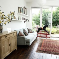 Traditional white living room | Living room decorating | Ideal Home | housetohome.co.uk