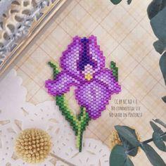 Art Perle, Bead Sewing, Geometric Flower, Bijoux Diy, Beading Projects, Bead Earrings, Bead Art, Beaded Flowers, Beading Patterns