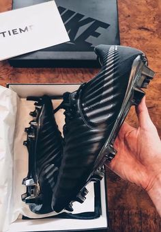 Soccer Gear, Soccer Boots, Football Shoes, Soccer Fans, Nike Football, Nike Soccer, Football Cleats, Football Players, Soccer Accessories