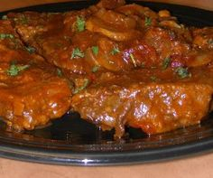 ~ Stupid-Easy Slow Cooker Swiss Steak - It Melts In Your Mouth! Meaty, tender, and succulent this slow cooker swiss steak is so tasty you'll want to shout for joy! Crock Pot Slow Cooker, Crock Pot Cooking, Slow Cooker Recipes, Crockpot Recipes, Crockpot Dishes, Cooking Oil, Entree Recipes, Meat Recipes, Cooking Recipes