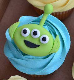 Toy Story cupcakes - Alien | Flickr: Intercambio de fotos