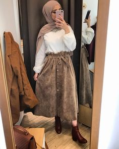 Modest fashion 697706167251664050 - Super Fashion Hijab Outfits Dresses Ideas Source by Modest Fashion Hijab, Hijab Style Dress, Modern Hijab Fashion, Hijab Look, Casual Hijab Outfit, Hijab Fashion Inspiration, Hijab Chic, Muslim Fashion, Modest Outfits