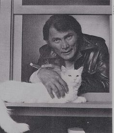 JACK PALANCE.He was so cool in `City slickers´=µ) - What more to say other than we just LOVE cool stuf