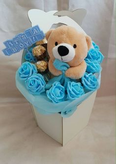 Lindt Chocolate, Luxury Chocolate, Chocolate Bouquet, Friend Birthday, Girl Birthday, Ferrero Rocher Bouquet, Get Well Baskets, Greeting Card Holder, How To Pass Exams