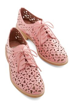 You're So Shine Flat. Youre blowing minds with your snazzy style in these 'Dalt-Daisy' Oxfords by Jeffrey Campbell! #pink #wedding #modcloth