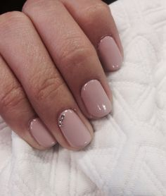 Hazelnut,nude, beige, natural nails with crystals