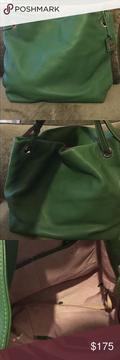 Dooney and Bourke Shoulder Handbag Green pebble leather Dooney and Bourke shoulder handbag. Very nice purse! It's very large. No signs of wear! Big enough to carry your tablet and other essentials! Dooney & Bourke Bags Shoulder Bags