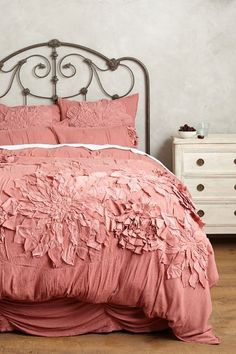 This is a beautiful duvet with a wonderful, soft cotton percale material! Queen Duvet Cover: x Pink Bedding, Luxury Bedding, Bedding Sets, Duvet Bedding, Bed Sets, Full Duvet Cover, Duvet Covers, Home Bedroom, Bedroom Decor