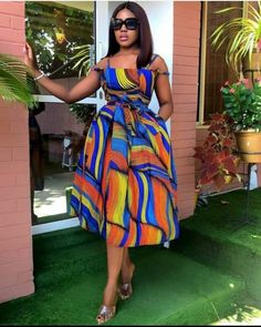 afrikanische kleider Ankara Splash Of Colors: Style Up Your Next Owambe With These Eye-Popping Ankara Fashion African Print Dress Designs, African Print Dresses, African Dresses For Women, African Attire, Ankara Designs, African Prints, African Women, Ankara Styles For Women, African Fashion Ankara