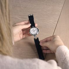 """Don't waste your time anymore, adapt your Number 8 Chronograph to each situation thanks to its interchangeable strap in seconds! """"Never Give Up"""" Number 8, Never Give Up, Daniel Wellington, Bracelet, Accessories, Bangle, Armband, Bracelets, Ornament"""