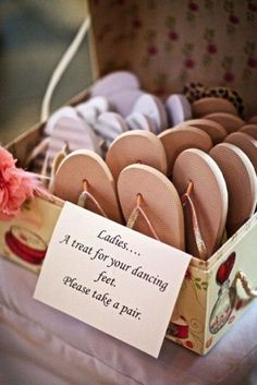 15 Cute Wedding Decor Ideas Some of the cute wedding ideas can be surprising your wedding guests. Because this wedding idea comes with a unique concept that can't be imagined by others. The cute style also will make your we Cute Wedding Ideas, Wedding Goals, Wedding Tips, Perfect Wedding, Fall Wedding, Wedding Favors, Diy Wedding, Rustic Wedding, Wedding Venues