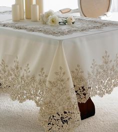 Home Sweet Home Table Cloth Models, especially kitchen table covers, . Antique Lace, Vintage Lace, Boho Home, Rico Design, Lace Table, Crochet Tablecloth, Linen Tablecloth, Linens And Lace, Cutwork