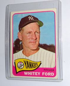 1965 TOPPS WHITEY FORD #330 New York Yankees Baseball-MLB Baseball Card