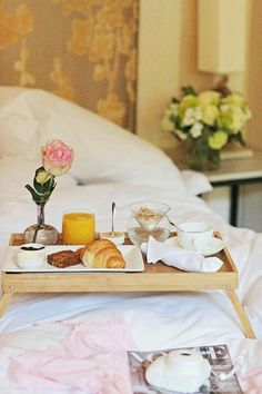 Breakfast And Brunch, Parisian Breakfast, Good Morning Breakfast, Breakfast Tray, Healthy And Unhealthy Food, Healthy Life, Toronto Travel, Vintage Hotels, Relax