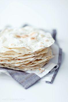 Pszepis na tortille domową. Jak zrobić własne naleśniki meksykańskie