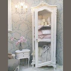 carol lotz saved to shabby Beautiful Shabby Chic Bathroom Decorating Ideas 65 35 Best Shabby Chic Bedroom Design and Decor Ideas for 2017 8 12 Beautiful Shabby Chic Style Kitchen Projects You Can Do Yourself For Your Cabin Shabby Chic Design, Cocina Shabby Chic, Shabby Chic Vintage, Shabby Chic Kitchen, Shabby Chic Style, Bathroom Ideas Vintage Shabby Chic, Shabby French Chic, Shabby Chic Salon, Shabby Chic Dining Room