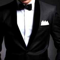 Классическое сочетание черного и белого🔲🔳Смотрится великолепно! Согласны❓ ___________ По всем вопросам пишите в Watsapp, Viber, Telegram на номер: ⤵️ 📞8 (909) 815-47-32 www.revento.ru __________ #revento_полезное #revento #revento_men #suits #suitonline #tailor #onlinetailoring #костюм #костюмназаказ #fashion #mensfashion #портной #сшитькостюм #рубашканазаказ #пиджак #пиджакназаказ #манжеты #запонки #костюмвмоскве #мужскойстиль #мужскаямода #одежданазаказ