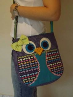 Q detalle Owl Sewing, Baby Sewing, Sewing Crafts, Denim Handbags, Denim Tote Bags, Patchwork Bags, Quilted Bag, Bag Quilt, Owl Purse