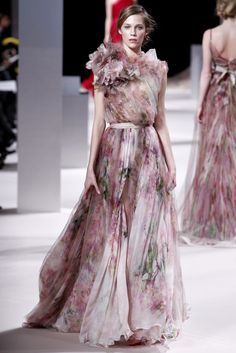 Elie Saab Spring 2011 Couture collection, runway looks, beauty, models, and reviews.