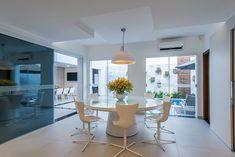 4 Fabulosas Residências – Habitare Wooden Garden Edging, Loft, Dining Table, House Design, Interior Design, Furniture, Home Decor, Nooks, Dining Room