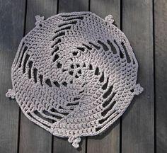 5 Spirals FREE Rug Crochet Pattern