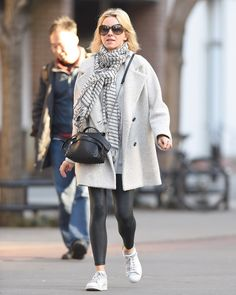 Naomi Watts spotted with her mini Tod's Wave Bag.  #Tods #Celebrity #NaomiWatts