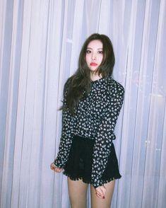 School Looks, South Korean Girls, Korean Girl Groups, Wonder Girls Members, Hyuna Kim, I Love Girls, Korean Singer, Kpop Girls, Black And Brown