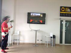 """instrutor dando as orientações antes de pilotar a máquina! - """"Da série melhores momentos de 2013: uma volta de Ferrari em Modena"""" by @Alexandra Aranovich"""
