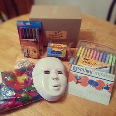 """How fun. We get to decorate a mask thanks to my free markers and mask kit from @MySmiley360 and #bicmarkit!!"" - Laurie"