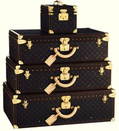 Most Expensive Luggage Sets Top 5 1.Louis Vuitton Leather Luggage Set - $60.000