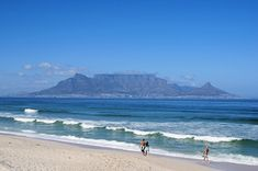 Bloubergstrand, South Africa: waves and sights over Table Mountain Bolivia City, Areas Protegidas, Table Mountain, Beaches In The World, Landscape Pictures, Island Beach, Mountain Landscape, Beach Fun, Natural Wonders