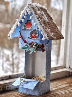New bird feeders winter plastic bottles Ideas Modern Bird Feeders, Wood Bird Feeder, Recycled Crafts, Diy And Crafts, Diy Yard Decor, Yard Decorations, Bird Feeders For Kids To Make, Homemade Bird Feeders, Bird Houses Painted