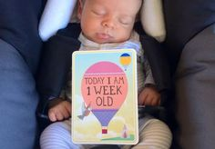 Things i Love: BABY MILESTONE CARDS