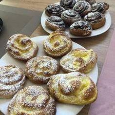 Vanília pudingos csiga   Leléné Marcsi receptje- Cookpad receptek Muffin, Breakfast, Recipes, Dios, Morning Coffee, Recipies, Muffins, Ripped Recipes, Cupcakes