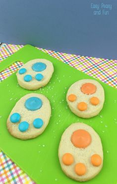 Easter Cookies Bunny Paws - Easy Peasy and Fun Lamb Cupcakes, Easter Cupcakes, Easter Cookies, Easter Desserts, Holiday Desserts, Easter Baskets To Make, Easter Crafts For Kids, Easter Ideas, Easter Stuff
