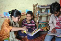 Edwina a volunteer from RMS, reading with Jitendra and Suraj during the boys session.  #Reading #Day #Books #KitaabGhar #India #Delhi #Community